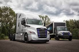 Freightliner Electric ECascadia And EM2 Unveiling [Photos ...
