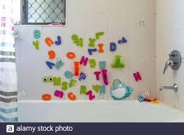badezimmer spielzeug stockfotos und bilder kaufen alamy