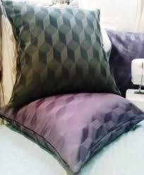 gros coussin de canapé je désespère de trouver des coussins pour mes canapés