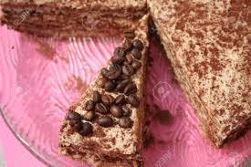stück der kaffee creme kuchen auf einem teller