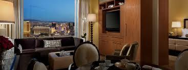 luxury suites las vegas trump las vegas deluxe one bedroom