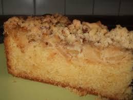 rührkuchen mit apfel nuss marzipanhaube