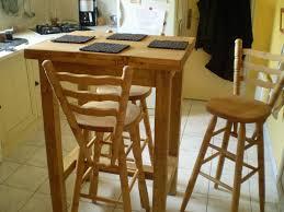 table de cuisine avec tabouret table de cuisine haute avec tabouret affordable table haute avec