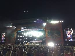 Kenny Chesney Old Blue Chair Tab by Kenny Chesney Spreads The Love In Foxborough New England Country