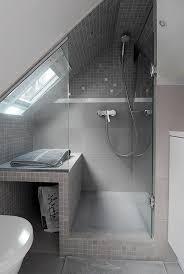 salle de bain sous comble on decoration d interieur moderne une