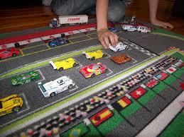 tapis de jeux voitures tapitom tapis de jeu circuit de voiture pour enfant f1 130 x