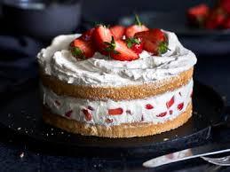 erdbeer sahne torte mit luftigem biskuitteig