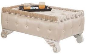 casa padrino luxus barock hocker beige weiß 100 x 63 x h 46 cm sitzhocker mit edlem samtstoff wohnzimmer möbel im barockstil