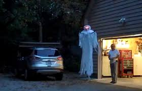 Halloween Scare Pranks 2013 by Scaring People Search Results Geekologie