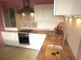 cuisine blanche et plan de travail bois plan de travail bois cuisine plan de travail en noyer cuisine