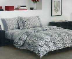 Animal Print Bedroom Decorating Ideas by Awesome Leopard Bedroom Decor Pictures Home Decorating Ideas