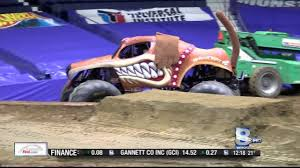 Monster Jam Back In Rochester Rochester Ny 2016 Blue Cross Arena Monster Jam Ncaa Football Headline Tuesday Tickets On Sale Home Team Scream Racing Truck Limo Top Car Release 2019 20 At Democrat And Chronicle Events Truck Tour Comes To Los Angeles This Winter Spring Axs Seatgeek Crushes Arena News The Dansville Online Calendar Of Special Event Choice City Newspaper Tips For Attending With Kids Baby Life My Experience At Monster Jam Macaroni Kid