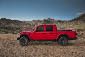 2020 Jeep Gladiator Pickup Arrives: Here Are The Official Details ...