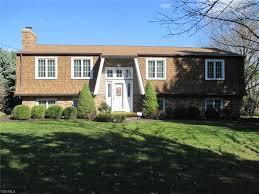 100 Bi Level Houses 11274 Wolf Avenue NE Hartville OH 44632 MLS 4082317 Howard Hanna