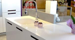 plan travail cuisine quartz plan de travail quartz marbre et decoration