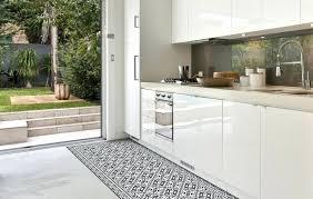 sol cuisine tapie de cuisine id e d co les tapis en vinyle beija flor tapis de