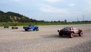 Bashing RC Cars Traxxas Slash, E-revo, Remo Hobby - YouTube