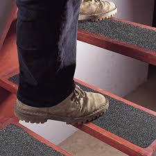 tapis antiderapant escalier exterieur bande antiderapante escalier bande agrippante
