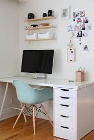 bureau laqué blanc ikea comment décorer un bureau laqué blanc 61 photos inspirantes
