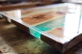 epoxidharz tisch aus holz selber machen anleitung