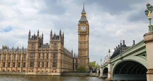 chambre du parlement la chambre du parlement et le big ben par le pont de westminster à
