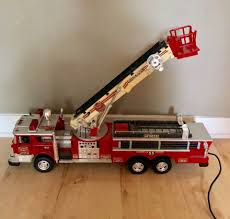 100 Metal Fire Truck Toy 1988 Remote Control Rescue BOOM NO 55 FIRE TRUCK TOY Collectors