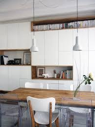 mur de cuisine mur rangements blanc bois scandinave éléments de cuisine hauts