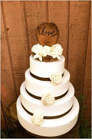 These Rustic Wedding Cake Toppers Are Perfect For A Chic Reception We Nuts About The Flowers On An Already Adorable