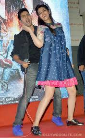 Varun Dhawan and Kriti Sanon promote Dilwale looking EXCEPTIONALLY