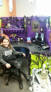 Halloween Cubicle Decorating Ideas by Best 25 Halloween Cubicle Ideas On Pinterest Halloween Office