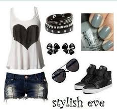 Super Cute Summer Outfit Distressed Shorts Woth Black And White Heart Top High