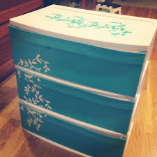Christmas Tree Storage Box Rubbermaid Walmart by So Easy I Decorated A 3 Drawer Cheap Plastic Storage Container