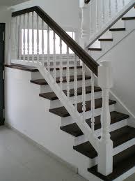 peindre un escalier sans poncer moderniser un escalier bois peindre en comment repeindre sans poncer