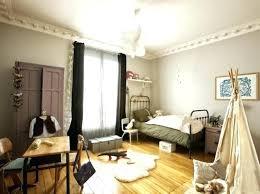 deco chambre retro chambre bebe garcon vintage une chambre de bebe aux murs gris avec