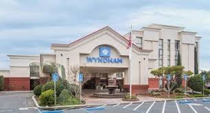 Lamp Liter Inn In Visalia by Wyndham Visalia Visalia Hotels With Meeting Facilities Meeting