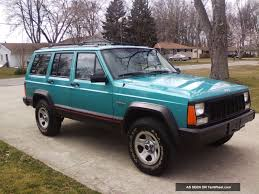 1996 Jeep Cherokee Sport Sport Utility 4 - Door 4. 0l