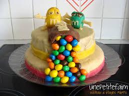 gateau pate d amande facile gâteau à étages m m s une faim