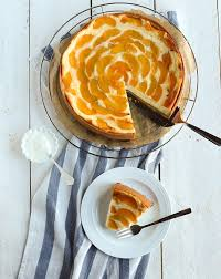 schmandkuchen mit pfirsichen ein familien klassiker