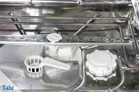 wasser in der spülmaschine abfluss verstopft was tun