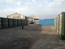 100 Shipping Containers 40 LOW COST SELFSTORAGE Secure And 24hour In 20ft And Ft