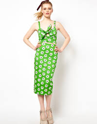 asos collection asos pencil skirt in retro daisy print in green lyst