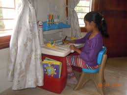 Step2 Art Master Desk And Stool by An Art Desk For Piglet And A Rainbow Loom For Snubnose Nishita U0027s