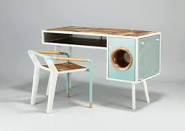 le bureau vintage soundbox desk le bureau néo rétro avec haut parleur intégré par