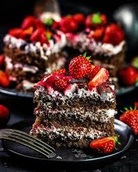 erdbeer stracciatella cake