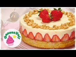 ein traum aus erdbeeren und vanille erdbeer pudding torte mit mandelkrokant