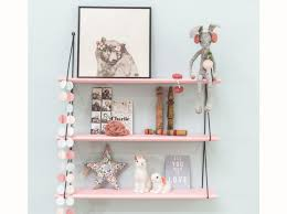 etagere chambre enfants couleur chambre d enfant à chaque tendance sa déco décoration