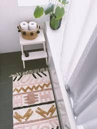 mein neuer teppich fürs badezimmer liebe auf den er