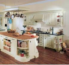 cuisine cottage anglais dcoration cottage anglais country kitchen of an cottage wooden