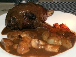 cuisiner un coq coq au vin recette coq au vin aftouch cuisine recette cuisine en
