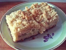 rhabarberkuchen aus quark öl teig mit streuseln und pudding